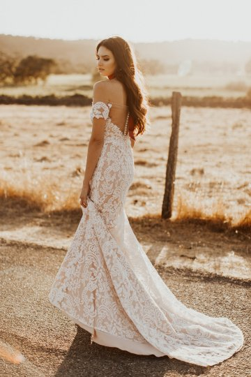 The Luxurious & Bohemian Ember Dusk Spring 2018 Collection from Tara Lauren | Anni Graham 42
