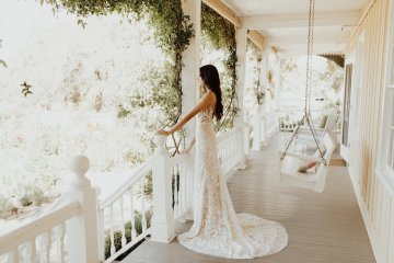 The Luxurious & Bohemian Ember Dusk Spring 2018 Collection from Tara Lauren | Anni Graham 43