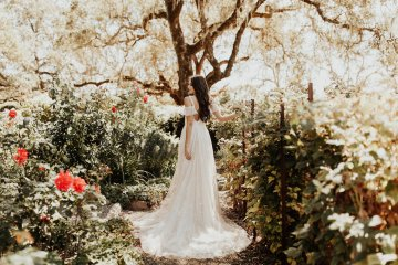 The Luxurious & Bohemian Ember Dusk Spring 2018 Collection from Tara Lauren | Anni Graham 49