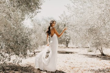 The Luxurious & Bohemian Ember Dusk Spring 2018 Collection from Tara Lauren | Anni Graham 59
