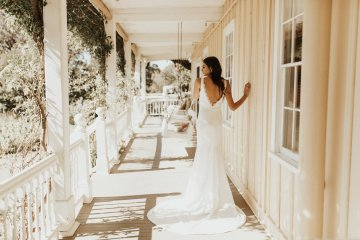 The Luxurious & Bohemian Ember Dusk Spring 2018 Collection from Tara Lauren | Anni Graham 63