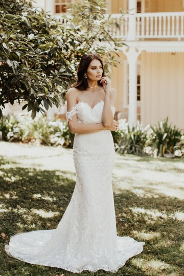 x The Luxurious & Bohemian Ember Dusk Spring 2018 Collection from Tara Lauren | Anni Graham 17