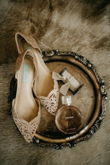 Boho Ozarks Wedding in an Magnificent Hilltop Chapel | Unveiled Radiance Photography 32