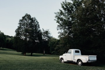 Cool Pampas Grass Wedding With Deep Berry Tones | Cedarwood Weddings 12