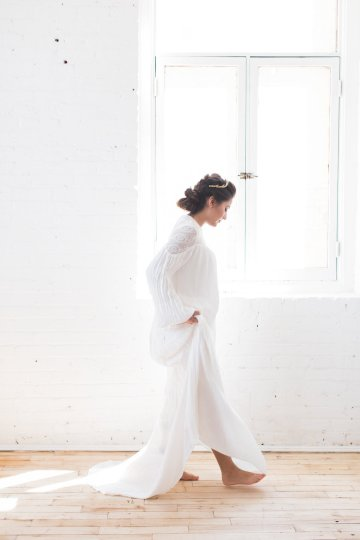 Light & Modern Wedding Inspiration With Cool Modest Gowns | Sons and Daughters Photography 43