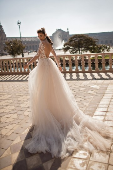 World Exclusive: The Sparkling Berta Fall 2018 Seville Collection 35