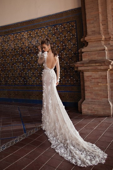 World Exclusive: The Sparkling Berta Fall 2018 Seville Collection 39