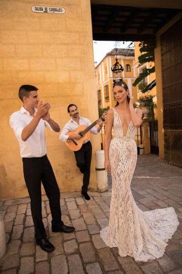 World Exclusive: The Sparkling Berta Fall 2018 Seville Collection 52