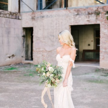 Luxurious Green & Gold Wedding Inspiration | Saje Photography 14