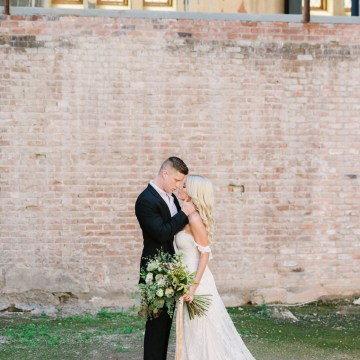 Luxurious Green & Gold Wedding Inspiration | Saje Photography 17
