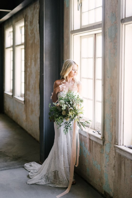 Luxurious Green & Gold Wedding Inspiration | Saje Photography 23