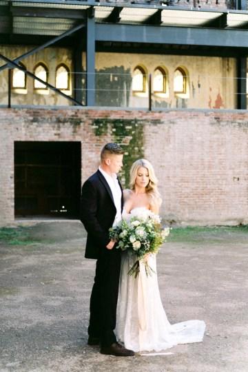 Luxurious Green & Gold Wedding Inspiration | Saje Photography 3