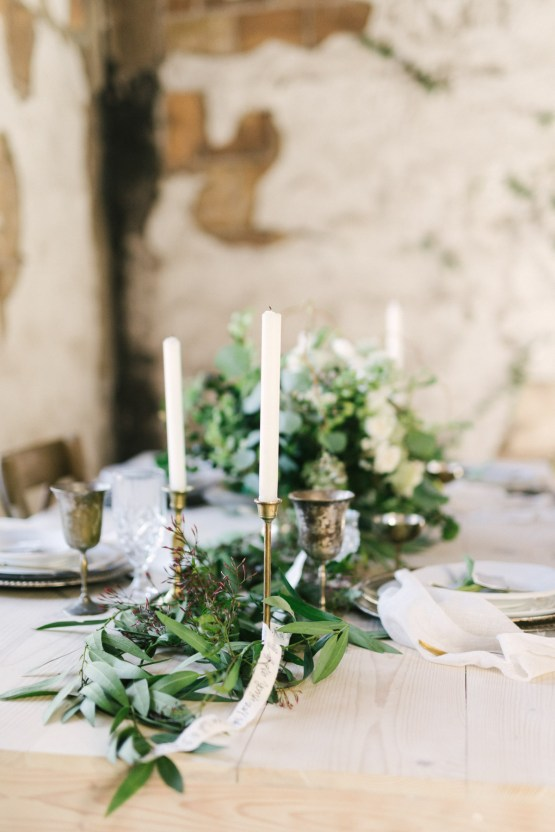 Luxurious Green & Gold Wedding Inspiration | Saje Photography 30