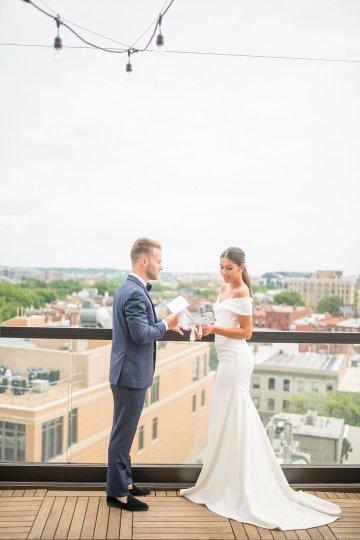 Classy Modern Rooftop Wedding Inspiration | Anna + Mateo Photography 38