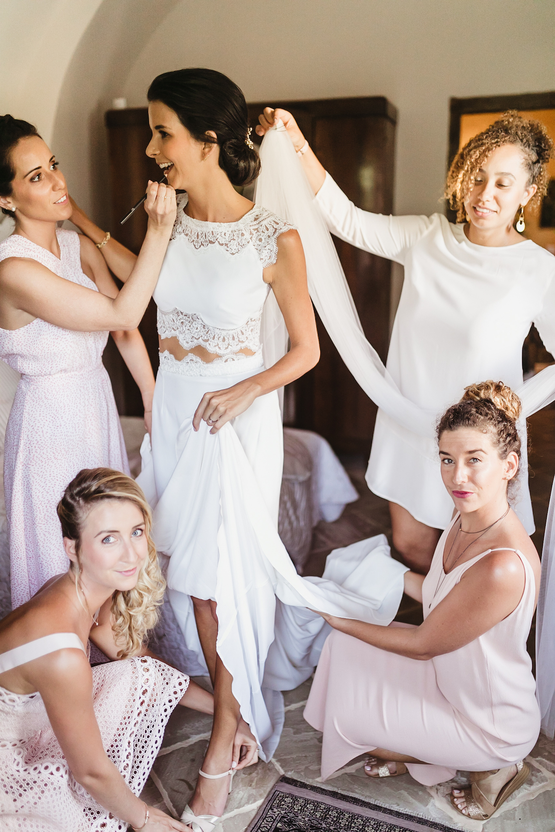 The Dos And Don'ts Of Traveling With Your Wedding Dress