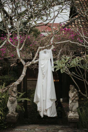 Modern & Hip Bali Wedding Featuring Sparklers & Flower Crowns | Iluminen Photography 32