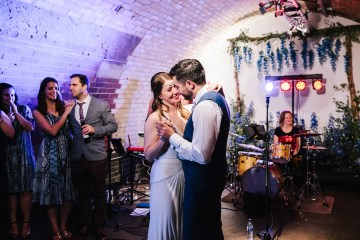 Underground Gallery Wedding In London With Cool, Flashy Signage   Studio 1208 Photography 12