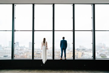 Underground Gallery Wedding In London With Cool, Flashy Signage | Studio 1208 Photography 16