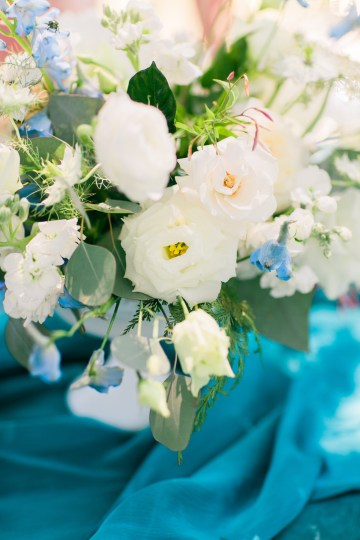 Vibrant Ocean Blue Watercolor Wedding Inspiration | Lola Event Productions | Artistrie Co. 13