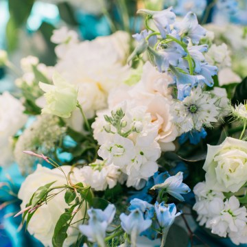 Vibrant Ocean Blue Watercolor Wedding Inspiration | Lola Event Productions | Artistrie Co. 16