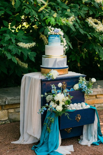 Vibrant Ocean Blue Watercolor Wedding Inspiration | Lola Event Productions | Artistrie Co. 32
