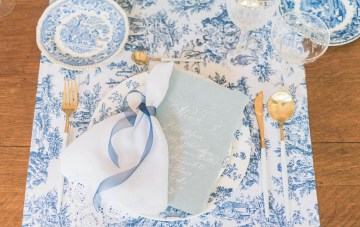 Vintage China; Blue & Gold Antique Inspired Wedding Ideas