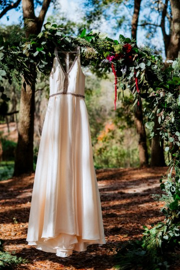 Woodsy Jewel-Toned Wedding Ideas (With A Circle Arch!) | Grind & Press Photography 13
