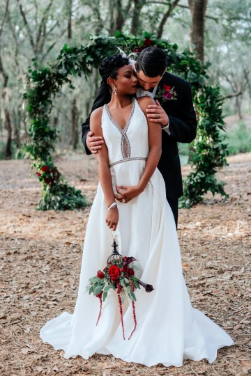 Woodsy Jewel-Toned Wedding Ideas (With A Circle Arch!) | Grind & Press Photography 45
