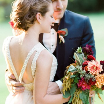 Colorful Vermont Lodge Wedding (With Sparkler Magic!) | Molly Lichten Photography 34