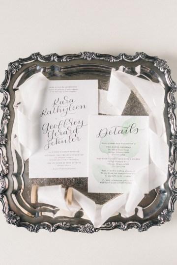Gorgeous Chicago Ivy Room Wedding | Kristin La Voie Photography 19