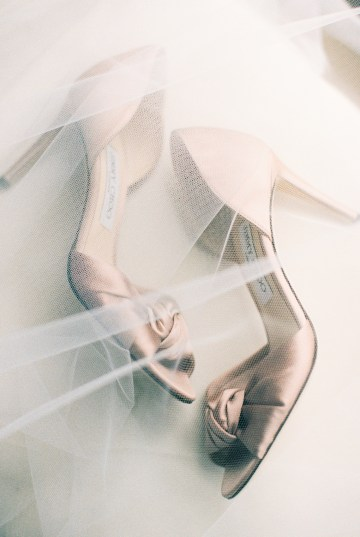 Gorgeous Chicago Ivy Room Wedding | Kristin La Voie Photography 23