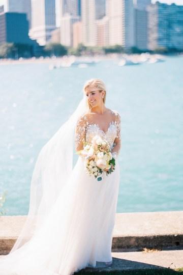 Gorgeous Chicago Ivy Room Wedding | Kristin La Voie Photography 42