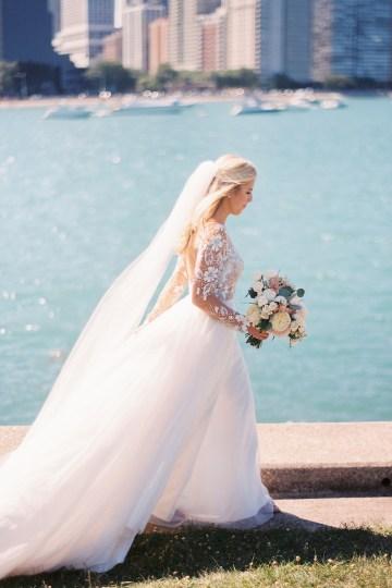Gorgeous Chicago Ivy Room Wedding | Kristin La Voie Photography 44