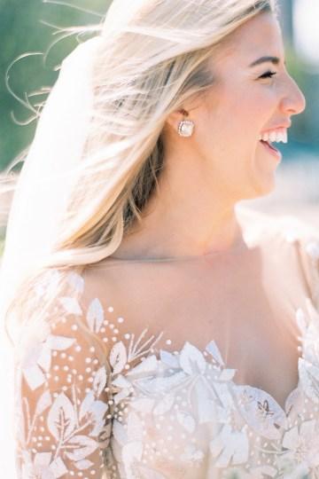 Gorgeous Chicago Ivy Room Wedding | Kristin La Voie Photography 49