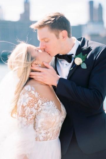 Gorgeous Chicago Ivy Room Wedding | Kristin La Voie Photography 53
