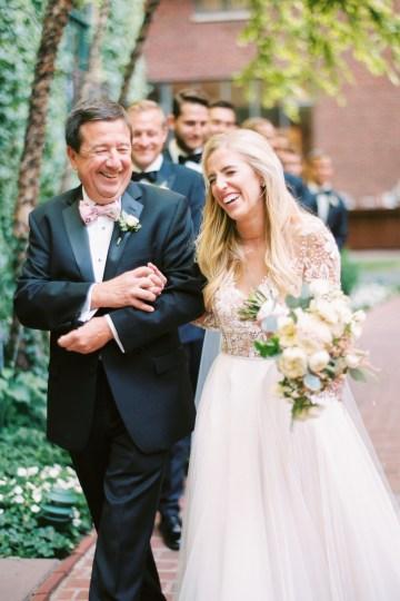 Gorgeous Chicago Ivy Room Wedding | Kristin La Voie Photography 58