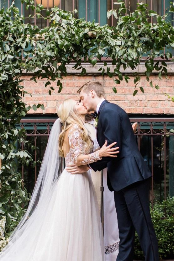 Gorgeous Chicago Ivy Room Wedding   Kristin La Voie Photography 62