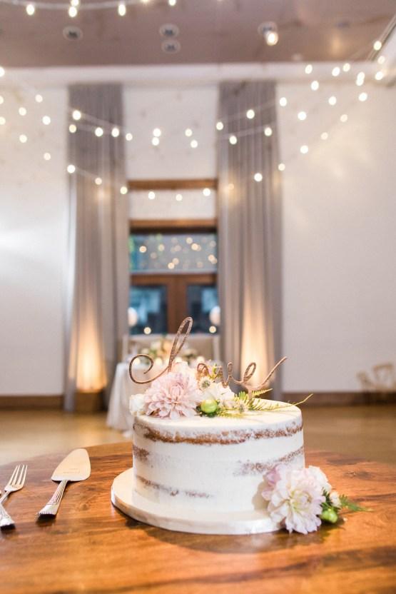 Gorgeous Chicago Ivy Room Wedding   Kristin La Voie Photography 77