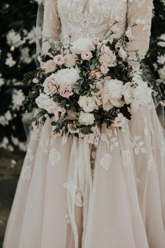 Lavish & Luxe California Winery Wedding | Amy Lynn Photography | Lyons Events 37