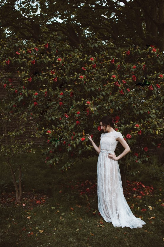 Romantic Wisteria Wedding Inspiration At Fulham Palace   Kitty Wheeler Shaw Photography 25