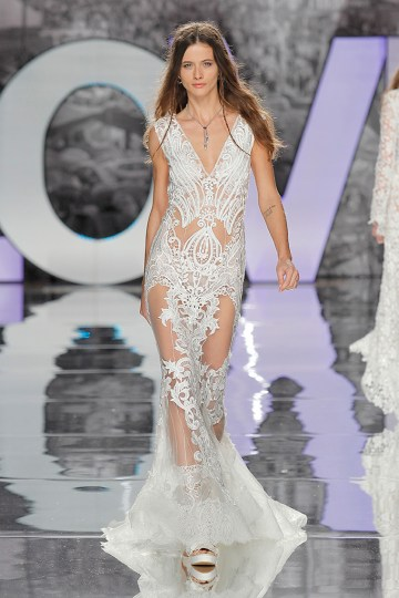 The Sexy & Embellished New Yolan Cris Wedding Dress Collections | AGUDES