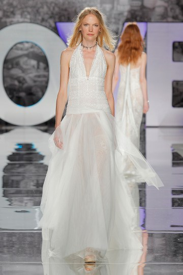 The Sexy & Embellished New Yolan Cris Wedding Dress Collections | AJUSCO (3)