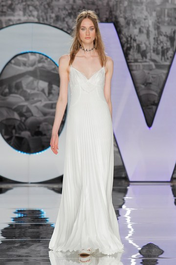 The Sexy & Embellished New Yolan Cris Wedding Dress Collections | CAYAMBE (1)