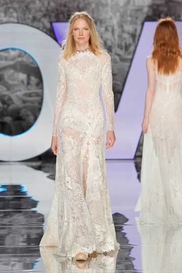 The Sexy & Embellished New Yolan Cris Wedding Dress Collections   ESCUDIER (1)