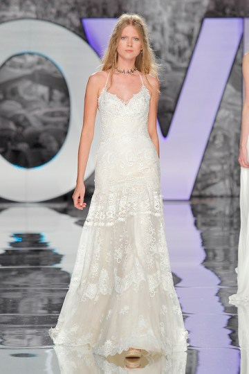 The Sexy & Embellished New Yolan Cris Wedding Dress Collections   MARTINICA (2)