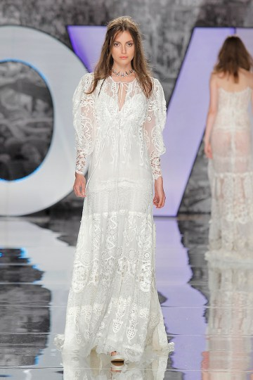 The Sexy & Embellished New Yolan Cris Wedding Dress Collections | RASAC (1)
