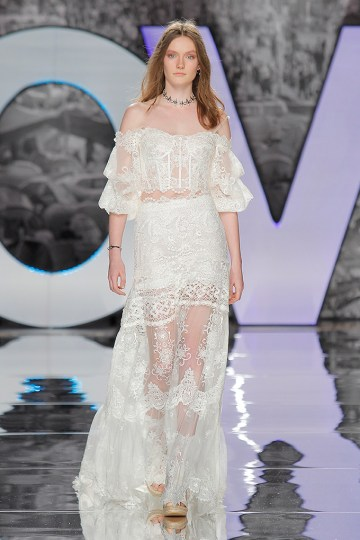 The Sexy & Embellished New Yolan Cris Wedding Dress Collections   SIULA (2)