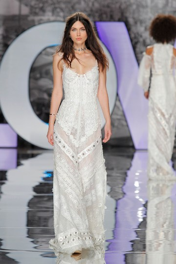 The Sexy & Embellished New Yolan Cris Wedding Dress Collections   VALNERA (1)