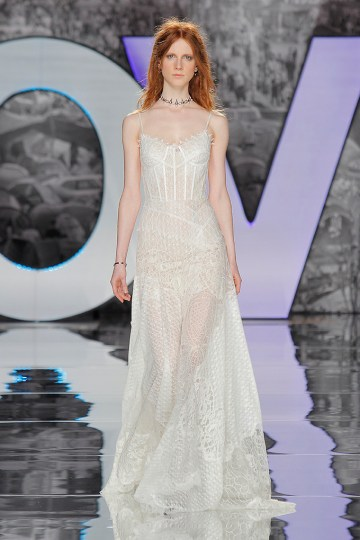 The Sexy & Embellished New Yolan Cris Wedding Dress Collections   ZORGE (1)
