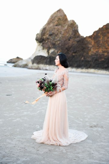 Ethereal Pacific Northwest Beachy Wedding Inspiration   Jessica Lynn Photography 13